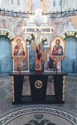 Всемирное Воздвижение Честного и Животворящего Креста Господня.